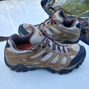 Merrell moab waterproof hiking boots size 8.5